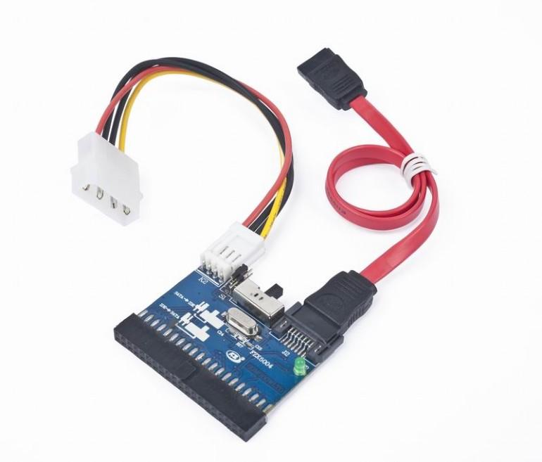 Bi-directionele SATA/IDE converter